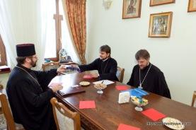 Шевчук, архиеп. Александр и секретарь ОВЦС УПЦ МП о. Николай Данилевич (слева направо)