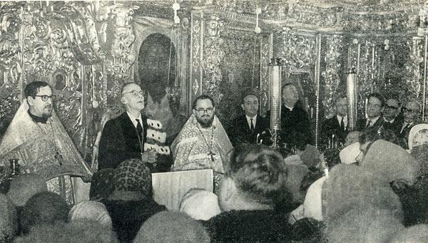Глава Всемирного совета церквей Виссерт-Хуфт проповедует в храме свв. Петра и Павла в Лефортове. 9 февраля 1964 г.