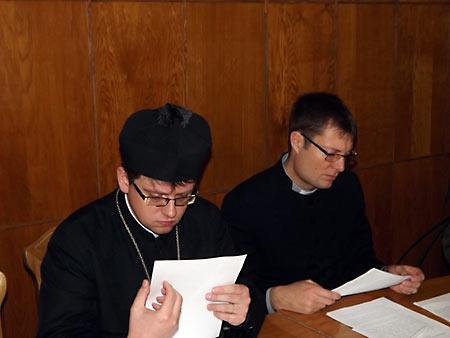 Максим Мазно (слева)