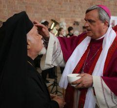 """Митр. Августин принимает экуменическое """"крещение"""""""