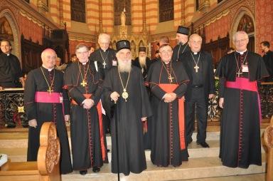 Фото на память: Патриарх Ириней, слева от него - кардинал Кох, справа - кардинал Пулич