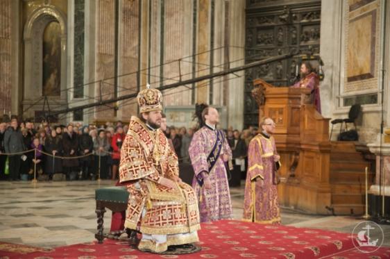 Еп. Петергофский Амвросий возглавил служение миссионерской Божественной литургии 24 марта 2013 г.