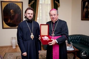 еп. Амвросий Петергофский и Иван Юркович