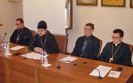 О. Филарет (Булеков), о. Стефан (Игумнов), представители протестантов.