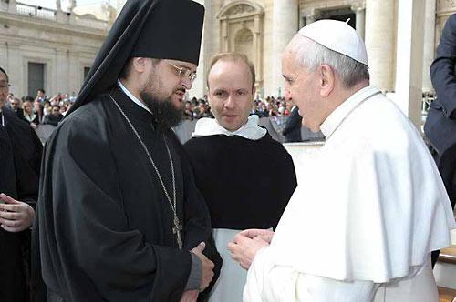 О. Стефан (Игумнов) на общей аудиенции папы Римского. Перводит - известный деятель унии ИасинтДестивель.