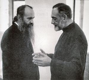 Митр. Иерофей (Влахос) и Иоанн Романидис (справа) в Ванкувере, 1995 г.