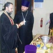 Протоиереи Владимир Косточка и Виталий Приходько (справа).